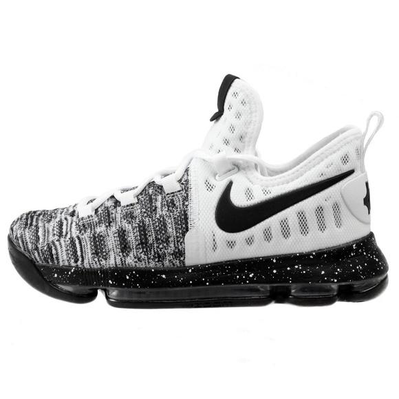 ea76b351e9fa Nike Zoom KD9 GS Kevin Durant Shoe Size Y5.5. M 5b587dd43e0caa6f3b237795